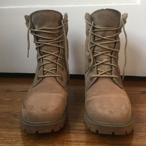 Timberland Jayne Boots in Taupe (US 7 / EU 38)
